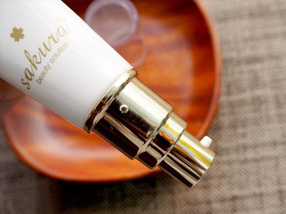 kem trang điểm sakura cc cream flawless control base