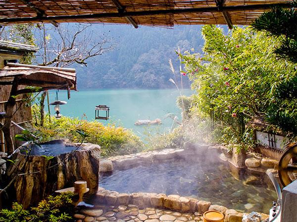 Top 5 các suối nước nóng cực đẹp ở Nhật Bản