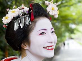 Cận cảnh cuộc sống geisha: Thế giới bí ẩn thời hiện đại