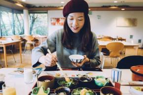 Trẻ ra vài tuổi nhờ học tập những thói quen ăn uống của phụ nữ Nhật